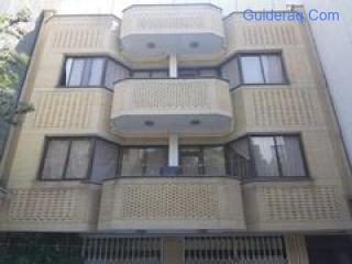 شقة للاستثمار العقاري بالقرب من الضريح في مشهد ، إيران
